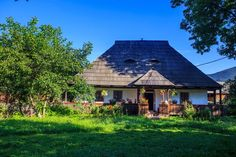 . Design Case, Home Fashion, Traditional House, Country Life, Old Houses, Romania, Places To Visit, Europe, House Design