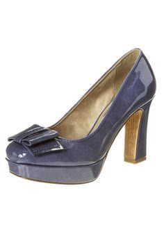 11a38b80730795 A(z) 11 legjobb kép a(z) Bugatti női cipő táblán