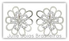 Brincos em ouro branco 750/18k e diamante (750/18k white gold stud earrings with diamond)