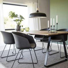 RAN Dining Table. Lounge Furniture, Furniture Design, Home Living Room, Living Room Designs, Esstisch Design, Dining Chairs, Dining Table, Big Sofas, Lunch Room