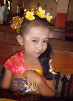 Bali traditional clothes
