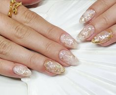 #shellnails #stonenails #nailart #negle #boxofbeauty #herning #goldnails #beachnails #summernails Stone Nails, Round Shaped Nails, Beach Nails, Gold Nails, Summer Nails, Nailart, Art Ideas, Beauty, Round Wire Nails