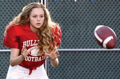 Brec Bassinger stars in 'Bella and The Bulldogs' on Nickelodeon Girls Playing Football, Girl Football Player, Football Girls, Football Players, Football Boys, Football Memes, Alabama Football, Bella And The Bulldogs, Nickelodeon Shows