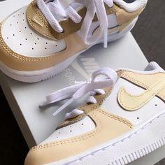 Beige Nike Shoes, Air Force 1, Nike Air Force, Belgium, Washing Machine, Netherlands, Artworks, Baby Kids, Sneakers Nike