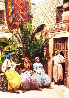 Femmes Tunisiennes (1905)