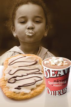 Maple BeaverTails pastry + BeaverTails hot chocolate = Delicious!