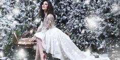 "Laura Pausini con ""Laura Xmas"" domina le chart in tutto il mondo Saints Row, The Row, Superstar, Disneyland, Tulle, Ballet Skirt, Album, Wedding Dresses, Instagram Posts"