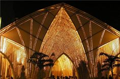 Bamboo Cathedrale in the center of Pereira. The roof is supported by bent Guadua poles by Simón Vélez