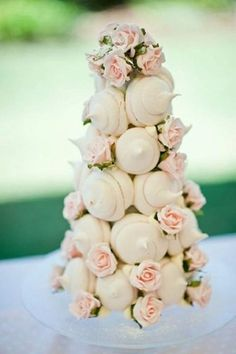 If a traditional wedding cake isn't your thing, try these mini alternatives