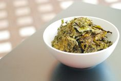 What's your favorite flavored chip? Here's Paleo Dill Pickle Kale Chips for your enjoyment!
