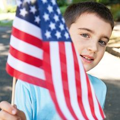 Between the BBQ and fireworks, teach your kids the significance of #July4th with these 4 online tools: http://www.parents.com/blogs/tech-savvy-parents/2013/07/01/education/4-ways-to-teach-kids-about-independence-day/?socsrc=pmmpin130702HnCTeachKidsJuly4th