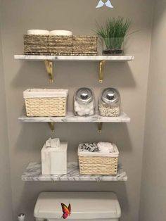bebifunow Marble wall-mounted shelves from CB2. wood shelves and toilet paper in a basket.... -  Marble wall-mounted shelves from CB2. wood shelves and toilet paper in a basket….  #basket #marbl - #basket #CB2 #DecoratingKitchen #HouseDesign #marble #mounted #paper #shelves #SmallRoomDesign #toilet #wallmounted #Wood<br> Bad Styling, Styling Tips, Tiny Bathrooms, Master Bathrooms, Beautiful Bathrooms, Modern Bathrooms, Farmhouse Bathrooms, Luxury Bathrooms, Beautiful Kitchen