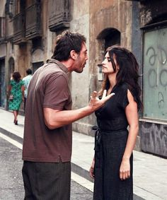 Reminds me of someone Vicky Cristina Barcelona, Javier Bardem, Penelope Cruz Movies, Arabic Funny, Woody Allen, Hollywood Actor, Photo Quotes, Beautiful Words, Couple Goals