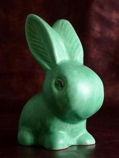 Sylvac pottery rabbits. Why resist?
