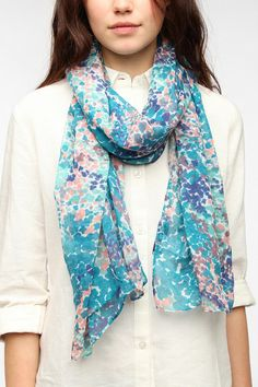 Urban Outfitters - Floral Camo Scarf