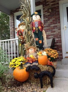 48 Amazing Outdoor Fall Decor Ideas That Will Fascinate You - hoomdesign Fall Yard Decor, Fall Home Decor, Autumn Decorating, Porch Decorating, Decorating Ideas, Diy Décoration, Fall Harvest, Thanksgiving Decorations, Fall Halloween