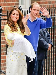 Royal Baby: Princess Kate and Prince William Introduce Their Daughter Charlotte Elizabeth Diana Royal Princess, Prince And Princess, Baby Princess, Duchess Kate, Duke And Duchess, Duchess Of Cambridge, Catherine Cambridge, Princesa Charlotte, William Kate