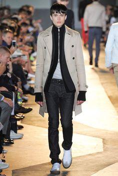 Diesel Black Gold Spring 2015 Menswear Fashion Show Gq Fashion, Fashion Show, Fashion Design, Man Weave, Spring 2015, Diesel, Normcore, Menswear, Vogue