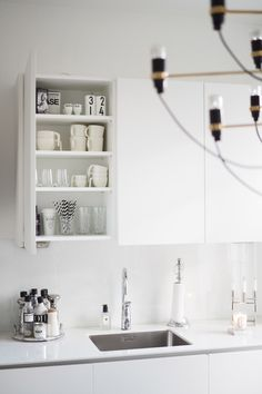 Char and the City Kitchen Interior, Kitchen Inspirations, Beautiful Kitchen Designs, Small Space Kitchen, Kitchen Dining Room, Kitchen Furniture Design, Kitchen Dining, Rustic Kitchen, Kitchen Renovation