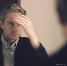 #wattpad #de-todo Sherlock es el tipo de pasivo que...