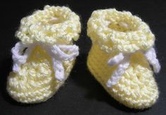 Baby Booties Crochet pattern by Susan Lowman Crochet One Piece, Learn To Crochet, Christmas Knitting Patterns, Crochet Patterns, Universal Yarn, Baby Scarf, Sport Weight Yarn, Plymouth Yarn, Yarn Bowl
