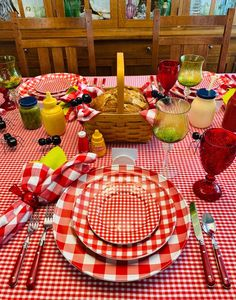 Time for a Picnic Table! — Whispers of the Heart Thanksgiving Table Settings, Holiday Tables, Christmas Tables, Beautiful Table Settings, Red Kitchen, Kitchen Items, Fall Table, Decoration Table, Table Centerpieces