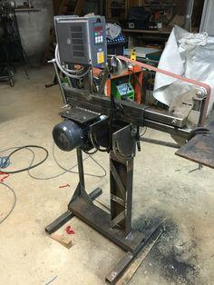 Homemade Tools, Diy Tools, 2x72 Belt Grinder Plans, Knife Grinder, Grinding Machine, Belt Drive, Metal Shop, Welding Projects, Blacksmithing