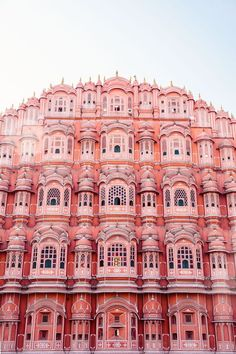 travel destinations dream How to explore the colourful city of Jaipur like a travel photographer. Here, outside the Hawa Mahal, an entirely pink building in India. Cheap Places To Travel, Places To See, Foto Banner, Pink Lake, Belle Villa, India Travel, Jaipur Travel, Travel Photographer, New Wall