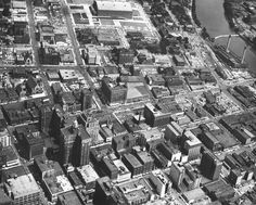 Downtown Des Moines from the air, looking north, 1956