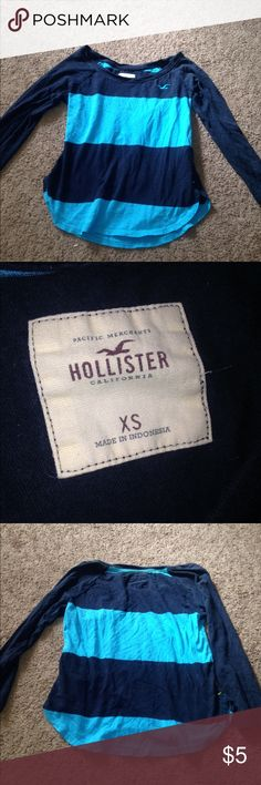 STRIPED 3/4 sleeve HOLLISTER shirt 💙 BARELY USED, GOOD CONDITION. VERY CUTE DESIGN FOR A SHIRT.  HOLLISTER DARK AND LIGHT BLUE STRIPED. Hollister Tops