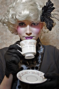 Gorgeous Effie Trinket cosplay from the Hunger Games! - 10 Effie Trinket Cosplays
