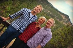 Family reunion summer photo session in beautiful Estes Park Colorado.