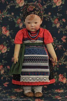 Lena Grineva, art dolls: И снова девочка Kruse в русском костюме...