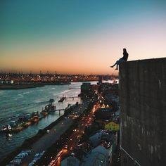 tomtehh: Abends auf den Dächern der Stadt ⚓️