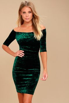 Be as pretty as a present in the Wrapped Up In You Forest Green Velvet Off-the-Shoulder Bodycon Dress! Velvet shapes this off-the-shoulder dress. Forest Green Dresses, Rose Gold Sequin Dress, Velvet Fashion, Maxi Gowns, Online Dress Shopping, Alternative Outfits, Ladies Dress Design, Dress Collection, Beautiful Dresses