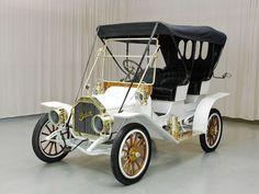 1910 Buick Model 10 Surrey Convertible - (Buick Motor Division Detroit)
