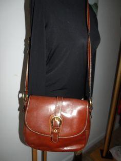 Leather shoulder bag!