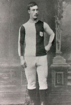 SAM BLACK, 1885. Newton Heath L & YR FC, cuadro antecesor del MANCHESTER UNITED FOTBALL CLUB.