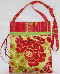 """""""Runaround Bag"""" - 2 fat quarter bag by Lazy Girl Designs. Have made a couple; easy, quick, and adorable!! And when I had a question, sent an email, and the owner answered within minutes!"""