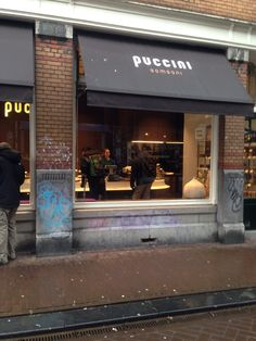 Amsterdam: Try the chocolate covered fruit and the hot cocoa! Puccini Bomboni in Amsterdam, Noord-Holland