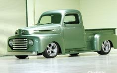 1949 Ford F1 Side