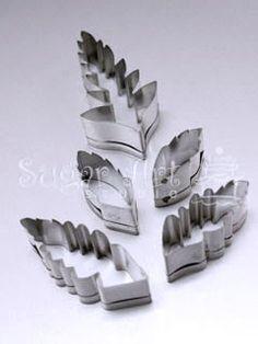 sugar art studio-giovanna smith-giovanna castro-gumpaste flower classes-cake decorating classes-fern leaf-fern leaf cutter-fern leaf cutters-gumpaste fern leaf