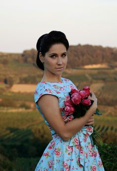 Girl and roses Model and Photo Dollycrow One Shoulder, Roses, Blouse, Vintage, Fashion, Moda, Pink, Fashion Styles, Rose