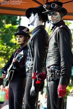 Steam Powered Giraffe by trekkiebeth, via Flickr