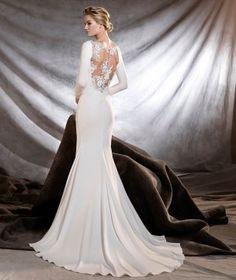 ORQUIDEA - Wedding dress with bateau neckline and floral motifs