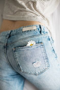 clothes crafts The post Foto von Javier Pardina von Stocksy United. clothes crafts 2019 appeared first on Denim Diy. Diy Crochet Hairstyles, Crochet Hair Styles, Painted Jeans, Painted Clothes, Diy Clothes Paint, Diy Clothes Jeans, Embroidery On Clothes, Embroidered Clothes, Jean Embroidery