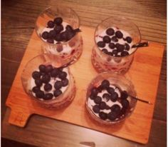 Mascarpone&Cranberries with White Wine and Vanillia - OKitchen