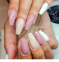 18 beige nails for your next manicure - Nageldesign & Nailart - glitter nails summer Coffin Nails Long, Long Nails, Pink Coffin, Short Nails, White Coffin Nails, Acrylic Nail Designs, Nail Art Designs, Nails Design, White Nails With Design