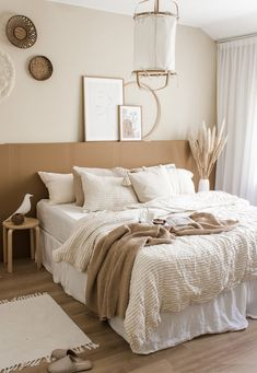 Brown Bedroom Decor, Earthy Bedroom, Room Ideas Bedroom, Home Decor Bedroom, Living Room Decor, White And Brown Bedroom, Natural Bedroom, Light Bedroom, White Bedroom Brown Furniture