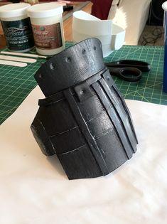 A near-screen-accurate replica costume prop of the gloves worn by Edward Scissorhands, made primarily of wood & foam. Edward Scissorhands Gloves, Diy Costumes, Diorama, Behance, Cosplay, Halloween, Dark, Kids, Scissors Hand
